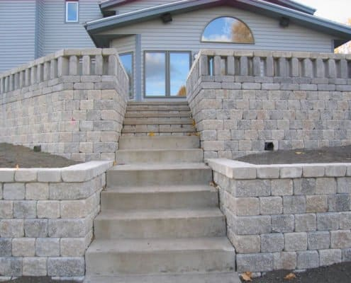 multilevel retaining wall with steps