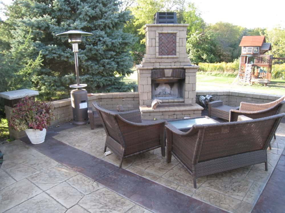 Fire pits outdoor fireplaces muskego wi for Paver patio designs with fireplace