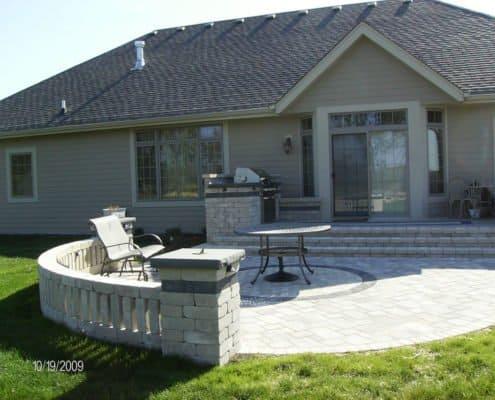 patio with pillar