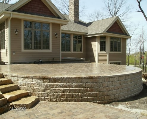 Retaining Wall & Patio